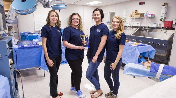 OTC Surgical Technology Students Win 2017 Scrub Bowl Competition
